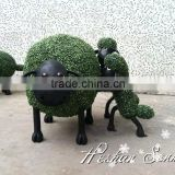 Chinese factory direct sale cute artificial sheep artificial topiary frame animal garden sculpture boxwood grass animal