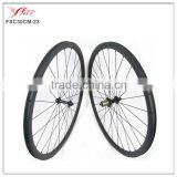 700C chinese customized carbon clincher rims 30mm, popular racing bike wheels 24H/28H with black Sapim spokes and nipples