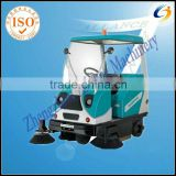 Semi-closed floor cleaning machines