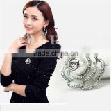 delicate pearl beauty flower crystal metal alloy brooch