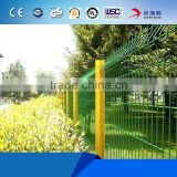 Made in China factory wholesale welded galvanized triangle wire mesh fence/convenient triangular farm fence for sale