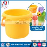 Wholesale flexible kids sand toys stuff set beach pail