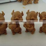 hand carve resin decor give away figurine