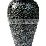 Round black and white colored lacquer flower vase
