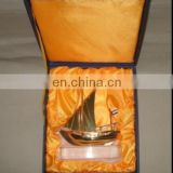 High Quality Model Container Ship With The Best K9 Crystal Base Ship Model For Home Decoration
