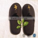 Customized hotel and black indoor pull plush slipper with anti-slip sole bathroom slippers