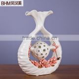 Two fish play with bead ivory porcelain home decor by hand made                                                                         Quality Choice
