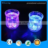 lighting up plastic cup and dome lid/beautiful lighting led flashing cup/led party ice beer transparent LED light drink cup