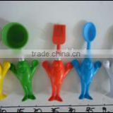 5 pcs kitchen ware set, including: a butter knife, a spoon, a pastry brush, an eggbeater and a scoop