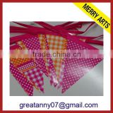China supplier promotional wholesale custom felt triangle hanging sports pennant flags