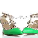 Genuine leather Showy Bright green color middle heel sandal