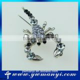 The new high quality crystal scarf brooch Rhinestone Jewelry Brooch Pin Bridal Wedding Crystal Animal Scorpion Brooch Pin B0172