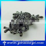 Unique Cute Plated Frog Shape Carve Full Shining Crystal Rhinestone Brooches and Pins B0053
