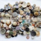Mix bright plastic resin color buttons for gifts, craft making and scrapbooking,diy buttons