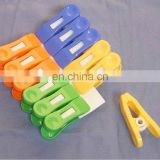 plastic hanging sping large clothes pegs