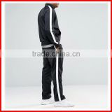Profeesional custom men gym tracksuit wholesale high quality slim fit tracksuits with contrast panels