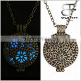 Retro Style Glow in the Dark Round Locket with Gear Wheel Pattern Pendant Necklace