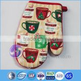Kitchen Heat Resistant Oven Mitten Pot Mat Set Christmas Cotton Character Printed Oven Mitts                                                                         Quality Choice