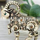 Goat Fashionable Design Brooches Muslim Hijab Scarf Pins Women Shawls Pins Female Pashmina Brooches