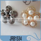 Cheap Fashion Wedding Flower Decoration Rhinestone Button with Plastic Oearl for T-shirt