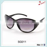 Half color lens and plastic leg of glasses designer safety sunglass made in china