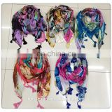 wholesale fashion women printed triangular hijabl shawl with fringes turkish cotton square scarf