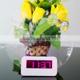 LCD Table Digital Alarm Clock With Humidity And Temperature Display with board for leaving a message