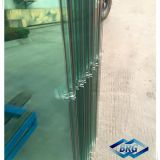 Tempered glass for pool fencing