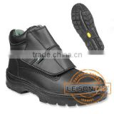 Safety Shoes adopts cowhide leather with non-slip and anti-abrasion outsole with steel toe cap and midsole protection