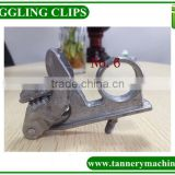 Aluminum/plastic leather toggle clips