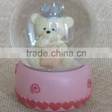 Hot sale eco-friendly funny antique pink color basement bear snow globes for sale