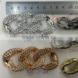 the decoration chain made by ccb.Can be free to split with the hand.decorative chain