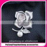 wholesale factory price rose flower grace brooch in stock for wedding