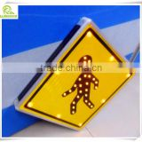 Customized solar panel integrated LED pedestrian crossing traffic light