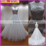 Manufactorier pretty princess wedding dress of lace bodice and with a beaded belt