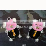 pink color pig shape zinc alloy pendant