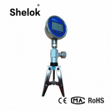 Hand pump with pressure gauge pressure calibrator