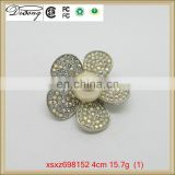 New design wedding rhinestone brooch, flower shape pearl pin brooch