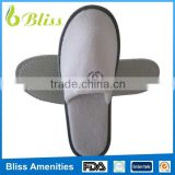 N29 Best Seling Disposable Eco-Friendly hotel slippers with embroideried customized logo