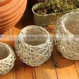 100%Handmade plastic lined wicker baskets for flower plants flower baskets for potted plants wholesale