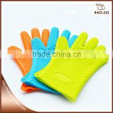 Baking accessories Heat Resistance Easy to clean silicone oven mitts                                                                                                         Supplier's Choice