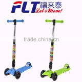Colorful clip attached new design folding kick scooter for child age with 2 front wheels