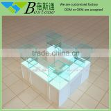 White MDF base jewelry mall kiosk, 2m x 2m jewelry kiosk