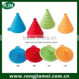 Factory wholesaler reusable foldable silicone funnel for kitchen
