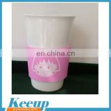 Wholesale promotional custom logo BPA free white ceramic mugs low price with silicone band