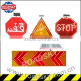 Red Plastic Flashing Led Traffic Arrow
