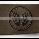 Factory custom embossed brand name tan color genuines leather patch for jeans