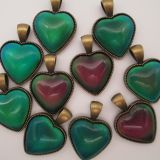Mood hearts necklace stones