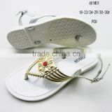 Elegent PCU girls sandals with metal clip-toe lace
