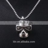 Latest design simple skull shaped stainless steel pendant necklace carven flower jewelry